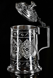 Серебряная кружка с крышкой пивная