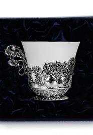 Чайная чашка из серебра «Натюрморт»