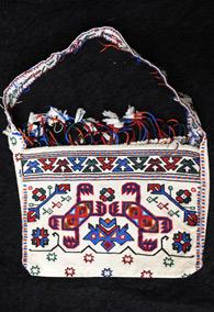 Кавказская сумка с этнической вышивкой