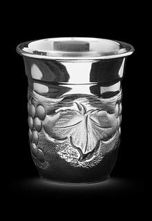 Серебряная стопка «Виноградная лоза»