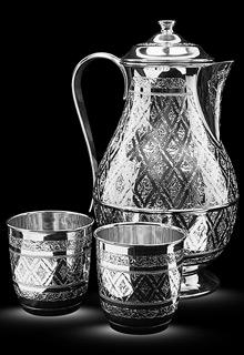 Серебряный кувшин и два стакана для воды\вина