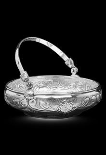 Серебряная орешница