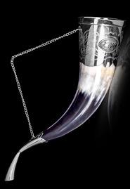 Рог с серебряной отделкой