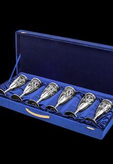 Набор из шести серебряных фужеров