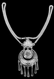 Подвеска на цепочке из кубачинского серебра