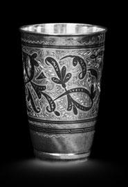 Серебряный стакан ручной работы
