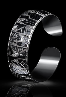 Браслет серебряный с геометрическим рисунком