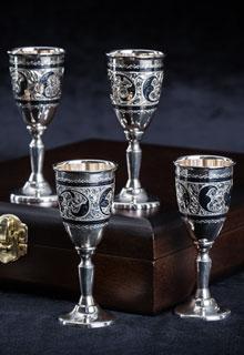 Набор из шести серебряных рюмок