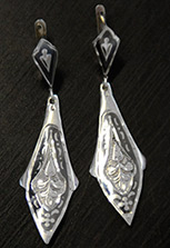 Серьги серебряные клиновидные. Ручная работа
