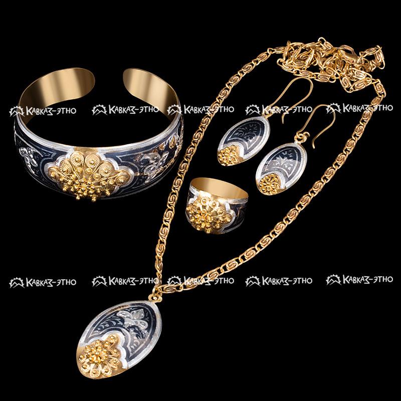 Серебряные украшения с позолотой