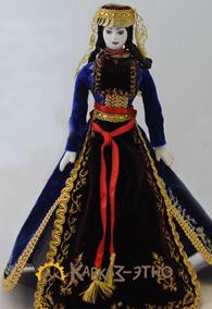 Кукла женская в армянском национальном платье