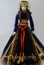 Коллекционная кукла в армянском женском костюме