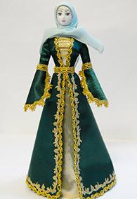 Кукла женская в чеченском национальном платье