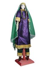 Большая фарфоровая кукла в женском дагестанском костюме