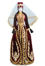 Сувенирная кукла в осетинском платье бордового цвета
