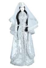 Кукла в белом осетинском национальном платье