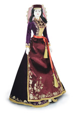 Кукла в армянском костюме - большая