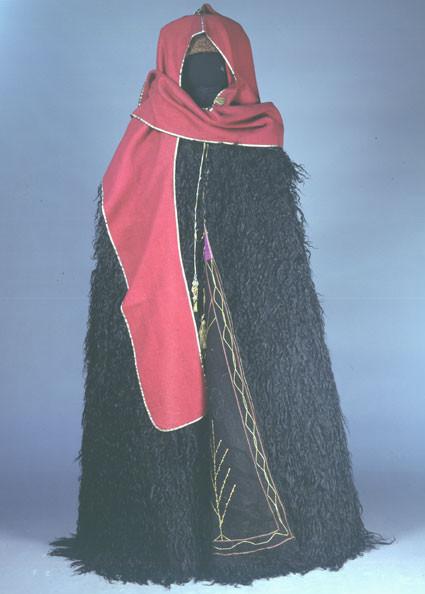 Кавказская традиционная андийская бурка