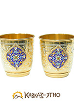 Пара стаканов из серебра с позолотой и цветной эмалью
