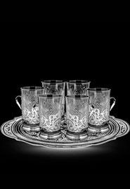 Шесть стаканов в серебряных подстаканниках на подносе. Ручная работа