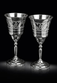 Серебряные бокалы с гравировкой и чернением