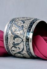 Браслет широкий серебряный с чернением и гравировкой