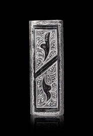 Серебряная зажигалка