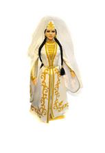 Кукла фарфоровая в осетинском праздничном платье
